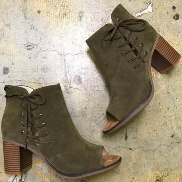 ba7f2ca53034 Peep toe faux suede booties size 8.5 Boutique